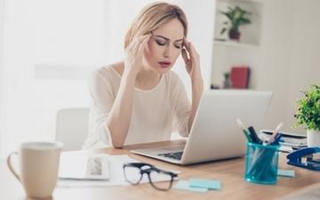 こんなことまで頭痛の原因に⁉ 頭痛の種類と対処法まとめ