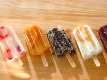 カラフルでオシャレ!話題のアイスキャンディーレシピ