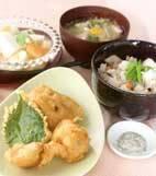 里芋の炊きこみご飯の献立