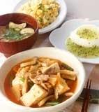 キムチ肉豆腐の献立