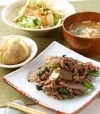 牛肉と菊菜の炒めものの献立