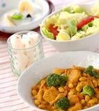 鶏肉と豆のカレー煮の献立