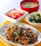 レバーと野菜の炒め物の献立