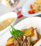 豆腐ステーキ・キノコソースの献立