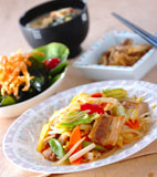 豚肉と野菜の炒め物の献立