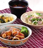 イカと焼き豆腐の煮物の献立