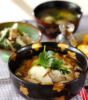 湯葉と豆腐の丼の献立