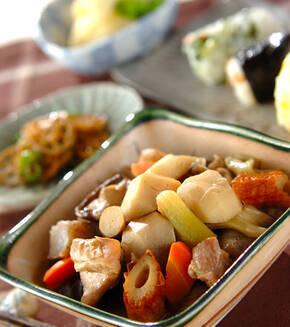 里芋の具だくさん煮物の献立