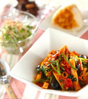 イカと野菜のトマト煮込みの献立
