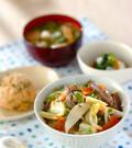 「野菜とカルビの炒め丼」の献立