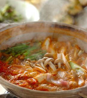 豆腐と豚肉のチゲ鍋の献立