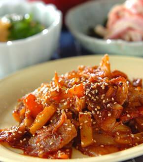 豚バラ肉とキムチの甘辛炒めの献立