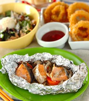 鮭とポテトのフライパンでホイル焼きの献立