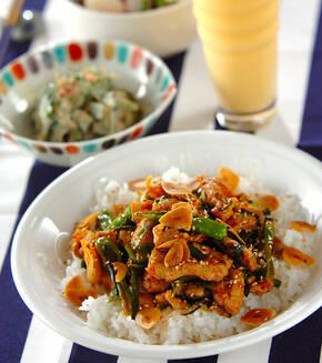 豚肉と白菜キムチの炒め丼の献立