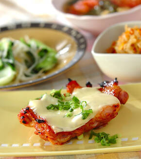 鶏肉のチーズのせ照り焼きの献立