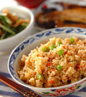 玄米の具だくさん炊き込みご飯の献立