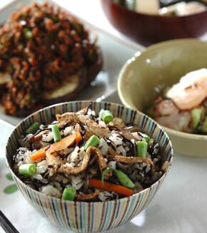 煮ヒジキ入り混ぜご飯の献立