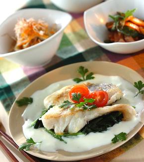 お魚のムニエル・白いソースの献立