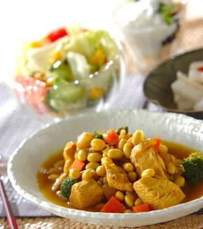 鶏むね肉と大豆のカレー煮の献立