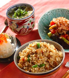 具だくさん炊き込み玄米ご飯の献立