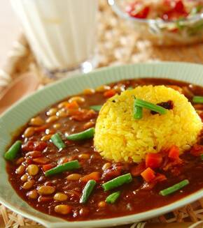 野菜と豆のカレーの献立
