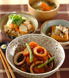イカとジャガイモの煮物の献立