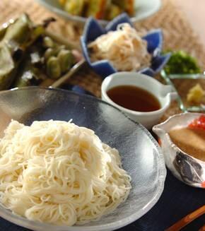 素麺・麺つゆとゴマダレの献立