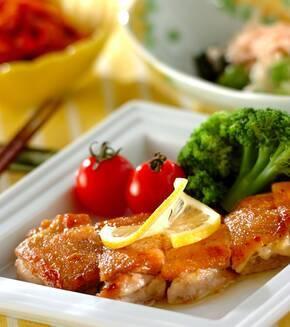 鶏肉のパリパリ焼き レモンバターソースの献立