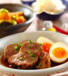 豚ロースとゆで卵の煮ものの献立