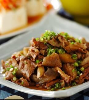 牛肉とゴボウの炒め煮の献立