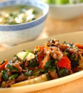 牛肉とトマトの中華炒めの献立