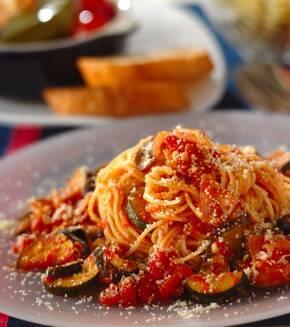 夏野菜のトマトソーススパゲティーの献立