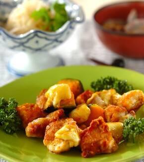 鶏肉とカボチャのチーズカレー炒めの献立