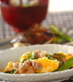 キヌサヤと豚バラの卵炒め