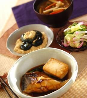 豆腐入りカレイの煮付けの献立