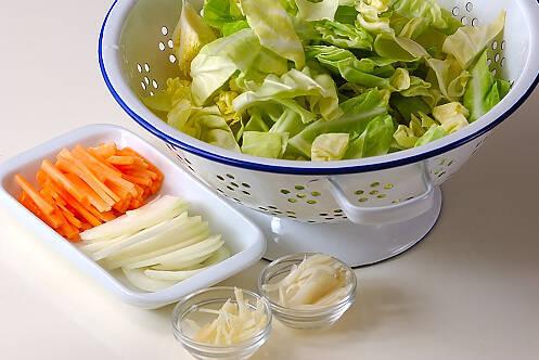 春キャベツのカレー炒めの作り方の手順1