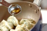 春キャベツの焼き餃子の作り方4