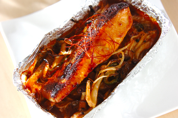 モヤシと鮭のホイル焼き