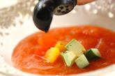 彩り野菜の冷たいトマトスープの作り方1