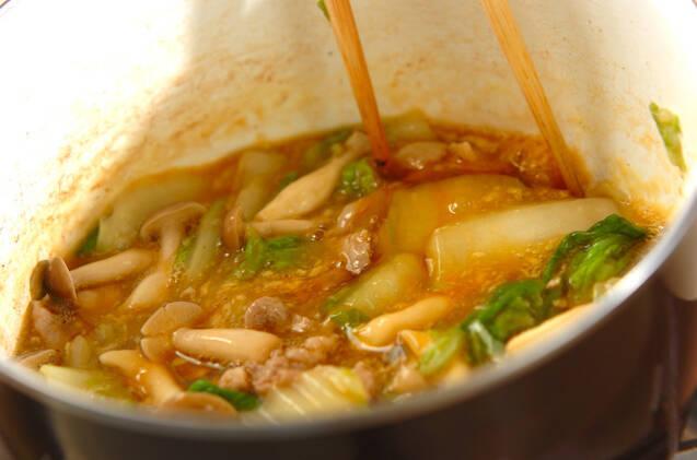 ゴマ油香る!白菜と豚肉の卵とじ丼の作り方の手順4