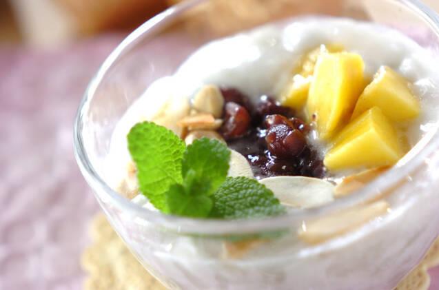 ココナッツゼリー小豆ソース