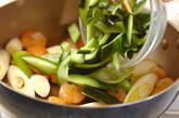 キュウリとエビのサッと炒めの作り方5