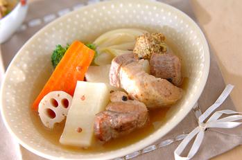 豚バラ肉と根菜のポトフ