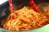 トマトソースでクリームパスタの作り方4