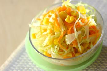 せん切りキャベツのサラダ