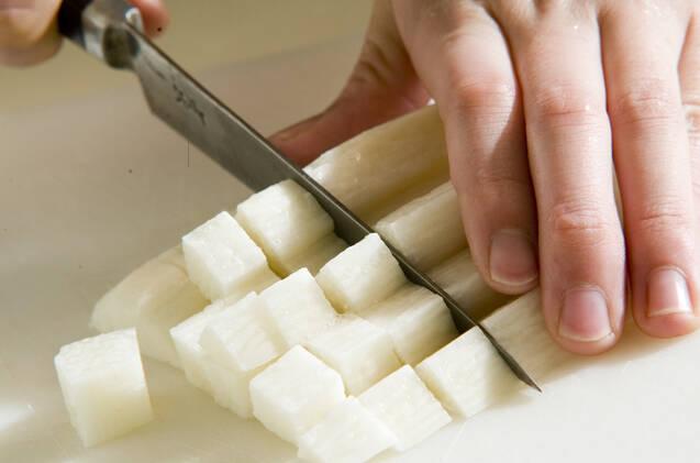 長芋とマグロのチーズ和えの作り方の手順1