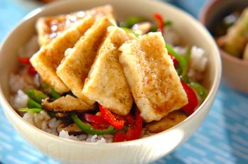 揚げ豆腐の丼