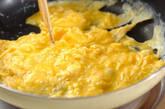卵とシメジのチリ炒めの作り方6
