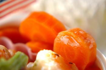 型抜きニンジンのレンジグラッセ