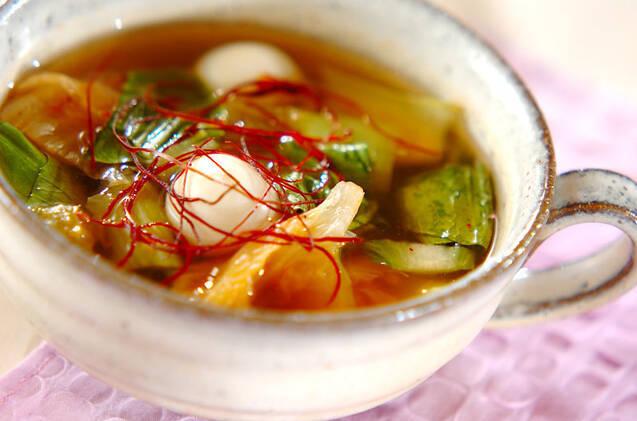 チンゲン菜とうずら卵のキムチスープ